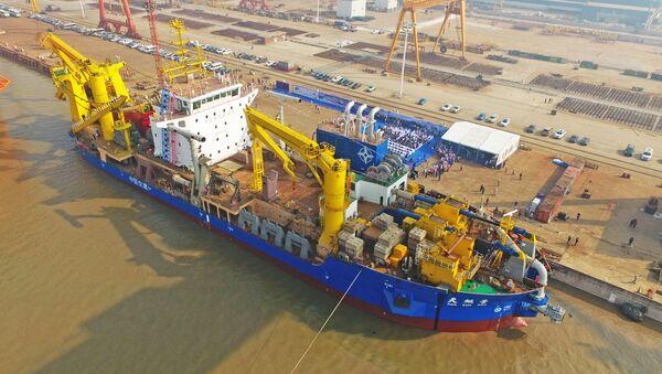 Tian Kun Hao, la nueva embarcación draga de China para construir islas - Sputnik Mundo