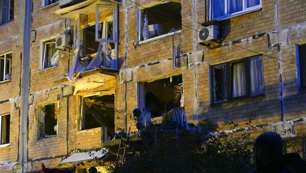 Edificio destruido en Donetsk (archivo) - Sputnik Mundo