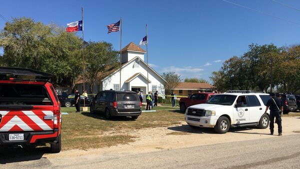 Lugar del tiroteo en Sutherland Springs, Texas, EEUU - Sputnik Mundo