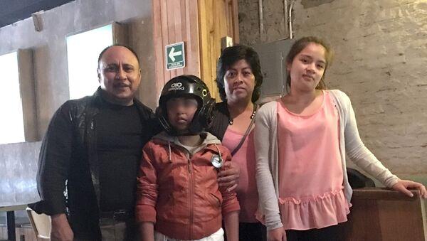 Gael Santiago Díaz, el niño mexicano con epilepsia quien recuperó su autonomía gracias al consumo de aceite de cannabidol - Sputnik Mundo