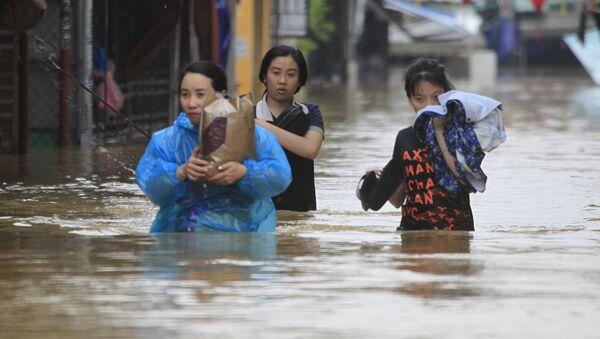 Las consecuencias desastrosas de un tifón en Vietnam - Sputnik Mundo
