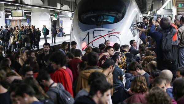Bloqueo de la estación ferroviaria en Barcelona - Sputnik Mundo