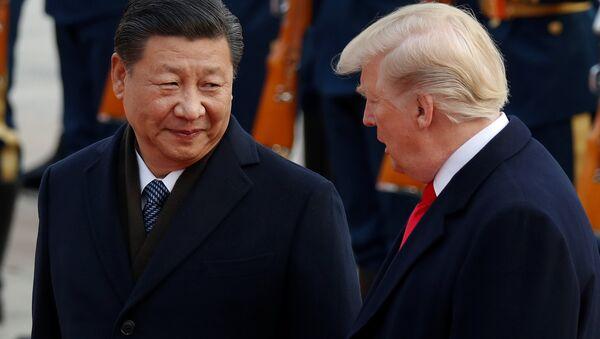Xi Jinping, presidente de China, junto a Donald Trump, presidente de EEUU - Sputnik Mundo