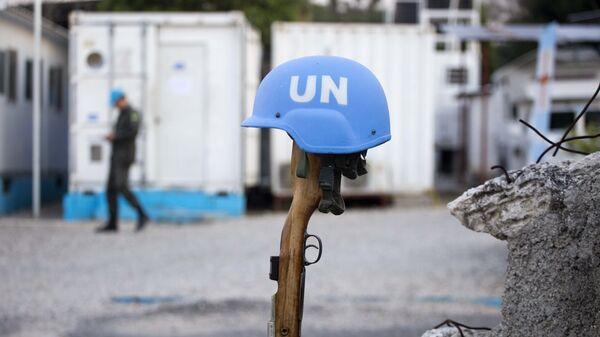 Un casco azul de una misión de paz de la ONU (archivo) - Sputnik Mundo