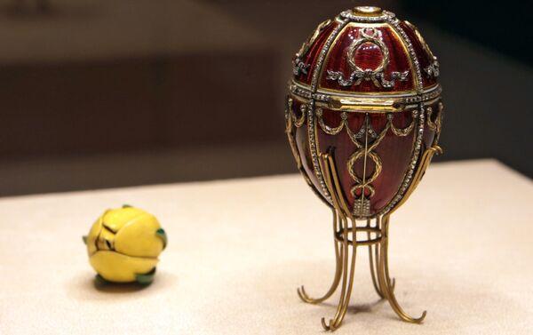 Huevo del capullo de rosa, el taller de joyería de Fabergé - Sputnik Mundo