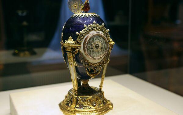 Huevo del gallito (conocido anteriormente por el Reloj de Cuco), el taller de joyería de Fabergé - Sputnik Mundo
