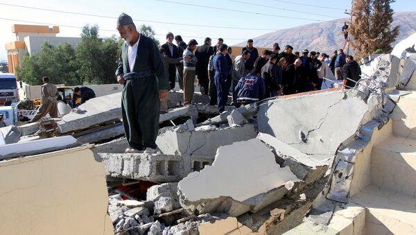Terremoto en la frontera de Irán e Irak - Sputnik Mundo