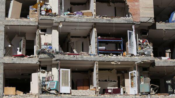 Consecuencias del terremoto en Irán - Sputnik Mundo
