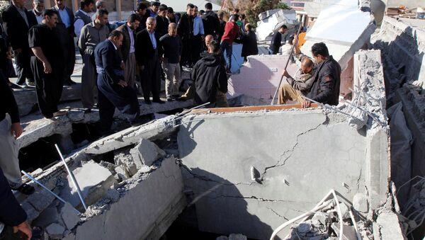 Las consecuencias del terremoto en Irán - Sputnik Mundo