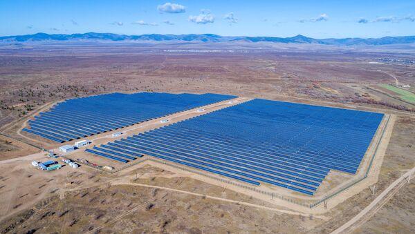 La planta solar en Buriatia - Sputnik Mundo