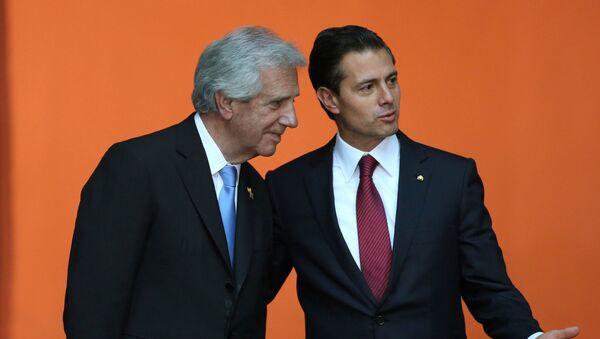 Presidente  de Uruguay, Tabaré Vázquez, y presidente de México, Enrique Peña Nieto - Sputnik Mundo