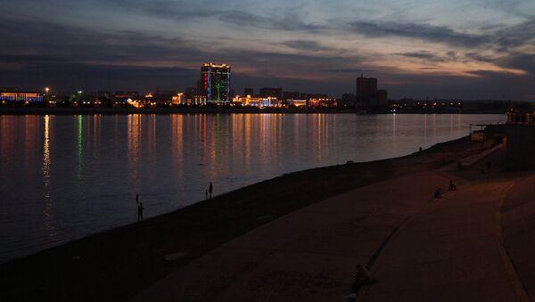 Vista de la ciudad china de Heije desde el terraplén del río Amur en la ciudad de Blagoveshchensk - Sputnik Mundo