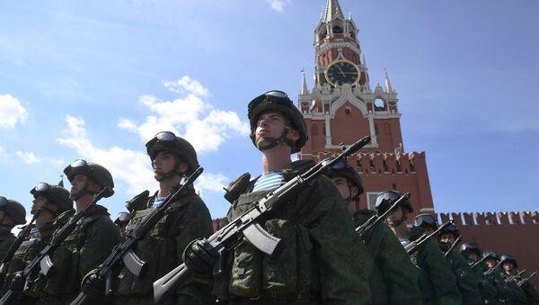 Soldados rusos en la Plaza Roja - Sputnik Mundo