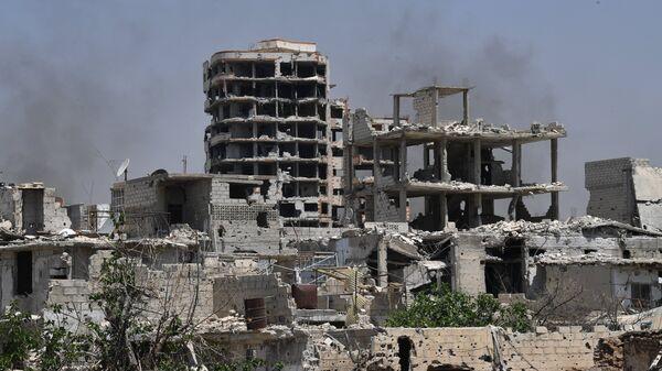 Edificios destruidos cerca de Damasco, Siria - Sputnik Mundo