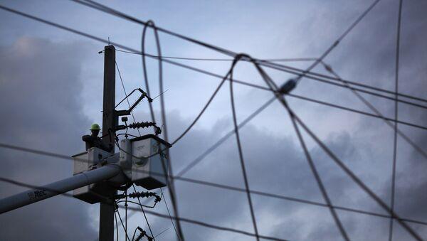 Reparación del sistema eléctrico en Ruerto Rico - Sputnik Mundo