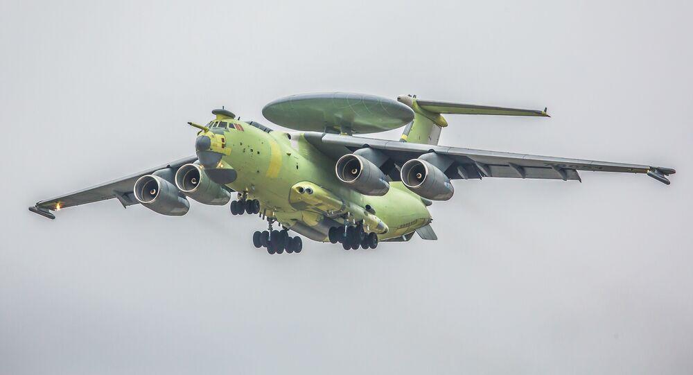 El avión ruso de alerta temprana y control aerotransportado A-100, durante la primera prueba (archivo)
