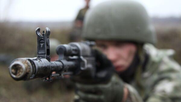Un miliciano de Donbás (imagen referencial) - Sputnik Mundo