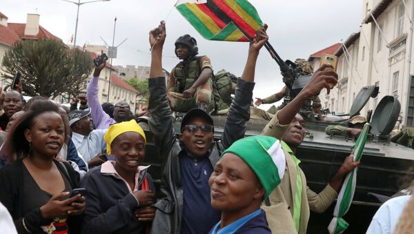 Protestas en contra de Robert Mugabe, presidente de Zimbabue - Sputnik Mundo