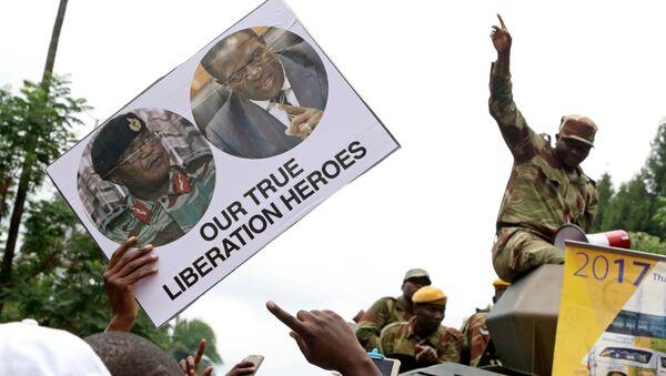 Opositores y militares en Zimbabue - Sputnik Mundo