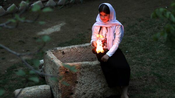 Una joven yazidí - Sputnik Mundo