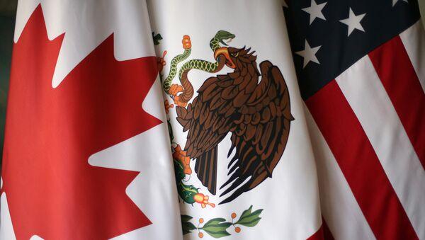Las banderas de Canadá, EEUU y México - Sputnik Mundo