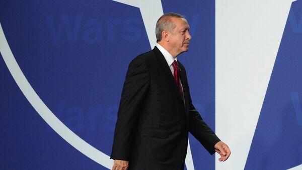 Recep Tayyip Erdogan, presidente de Turquía, en la cumbre de la OTAN en Varsovia (archivo) - Sputnik Mundo