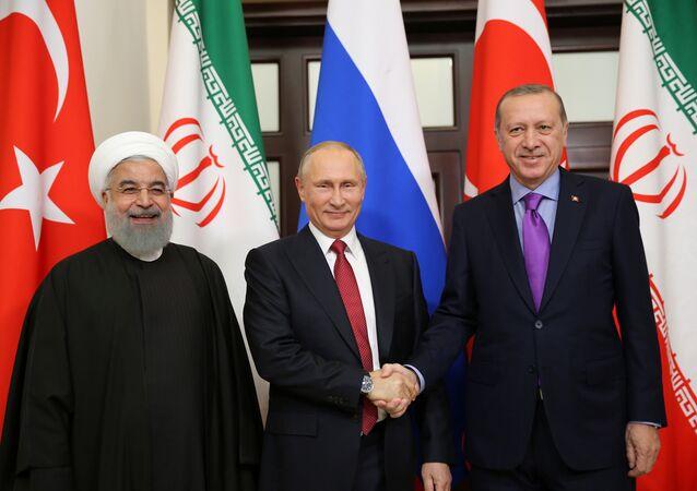 Presidente de Rusia, Vladímir Putin, presidente de Irán, Hasán Rohaní y su homólogo turco, Recep Tayyip Erdogan