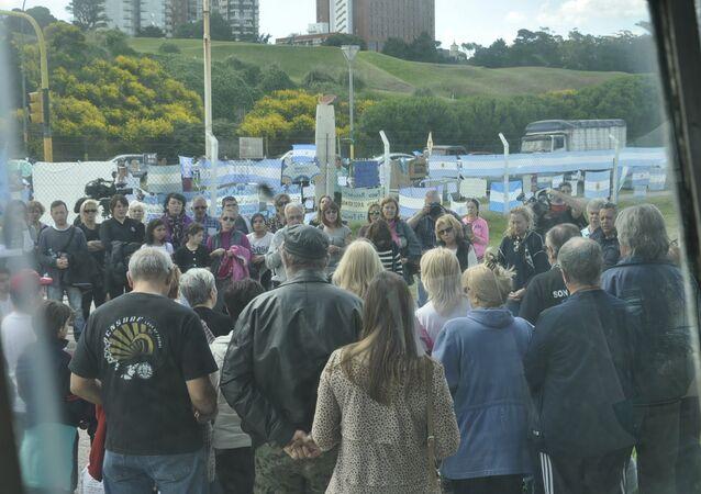 Familiares y allegados de la tripulación del submarino ARA San Juan de la Armada argentina