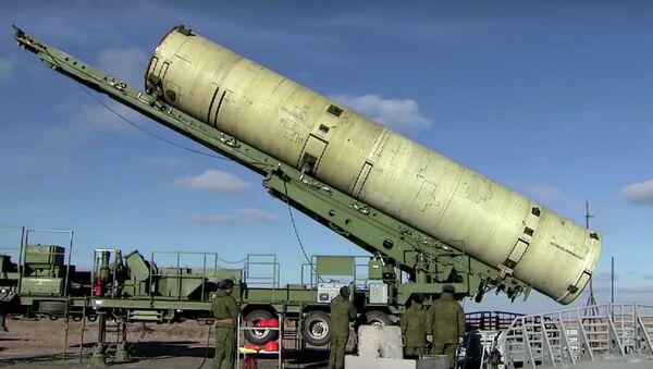 Пуск модернизированной противоракеты системы ПРО на полигоне Сары-Шаган - Sputnik Mundo