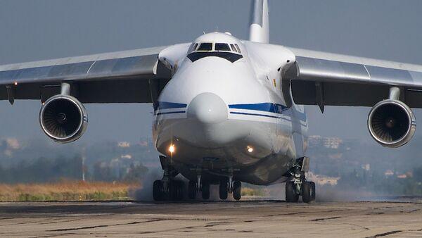El avión de carga ruso An-124 (archivo) - Sputnik Mundo