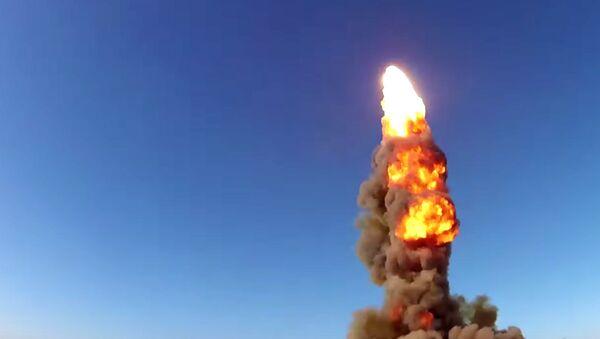 Lanzamiento de un misil desde Sari Shagán (Kazajistán) - Sputnik Mundo