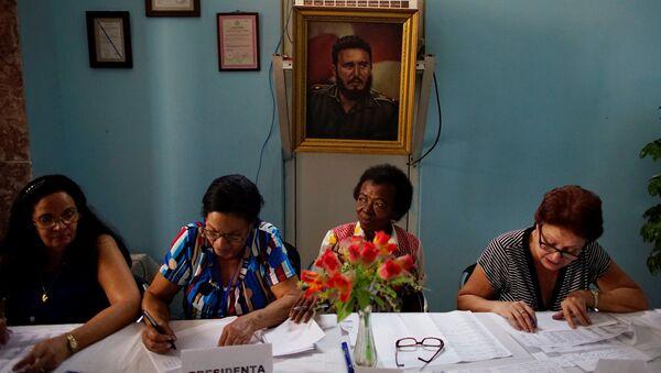 Un colegio electoral en La Habana - Sputnik Mundo