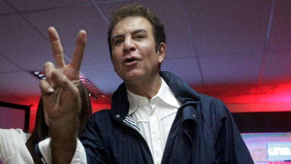 Salvador Nasralla, el candidato presidencial hondureño por el partido Alianza de la Oposición - Sputnik Mundo