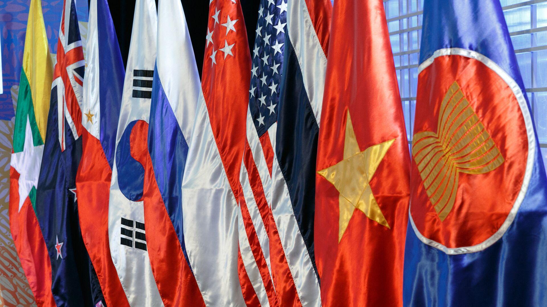 Las banderas de los países miembros de la ASEAN - Sputnik Mundo, 1920, 31.03.2021