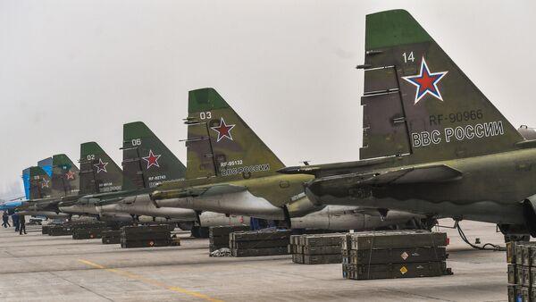 Aviones de ataque Su-25SM (archivo) - Sputnik Mundo
