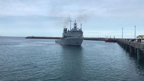 Barco de la armada argentina que transportará el sumergible ruso de observación subacuática Pantera Plus para buscar el submarino San Juan - Sputnik Mundo