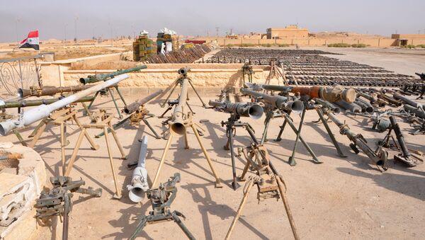 Armas arrebatadas a Daesh por el Ejército sirio (archivo) - Sputnik Mundo