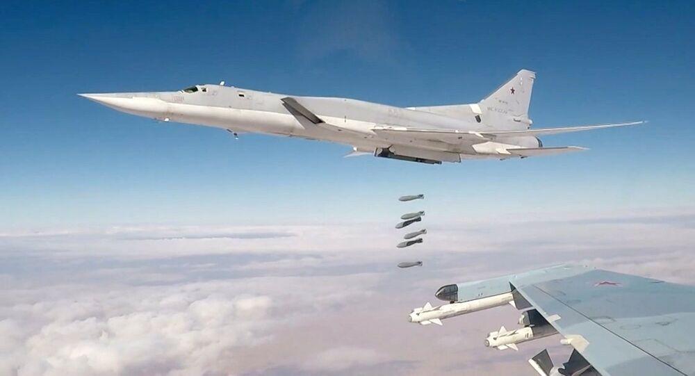 Bombardero estratégico ruso Tu-22M3 (imagen referencial)