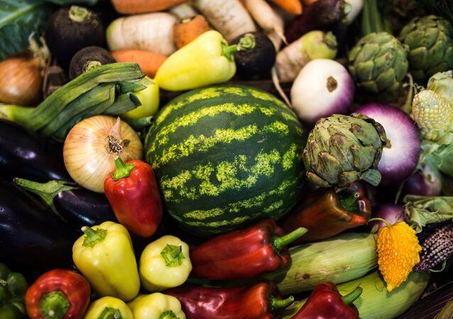 Fruta y verduras rusas