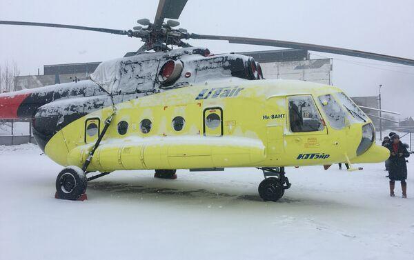 El helicóptero Mi-8AMT en la Fábrica de Aviación de Ulán Udé - Sputnik Mundo