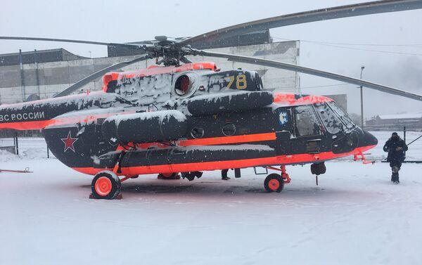 El helicóptero Mi-8AMTSh-VA en la Fábrica de Aviación de Ulán Udé - Sputnik Mundo