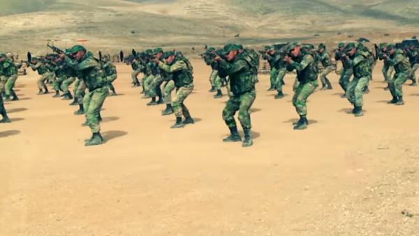Los duros entrenamientos de las unidades especiales de Siria - Sputnik Mundo