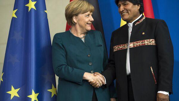La canciller de Alemania, Ángela Merkel y el presidente de Bolivia, Evo Morales - Sputnik Mundo