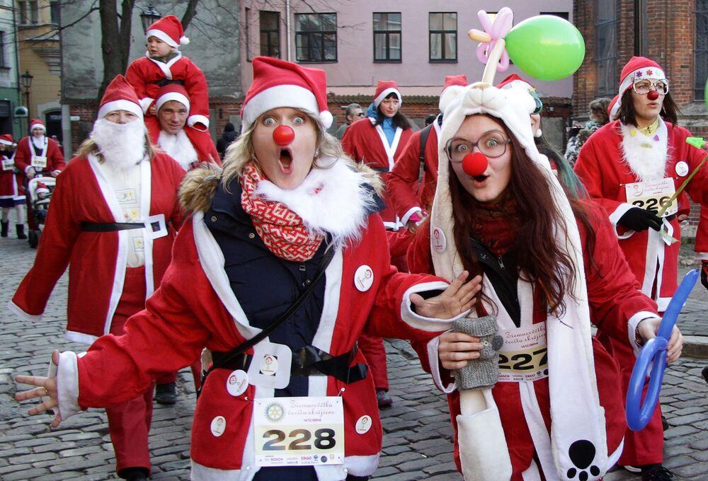 Descubre las caras más seductoras de las chicas Papá Noel