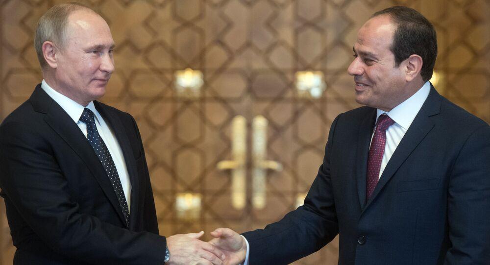 Vladímir Putin, presidente de Rusia, y Abdelfatah Sisi, presidente de Egipto