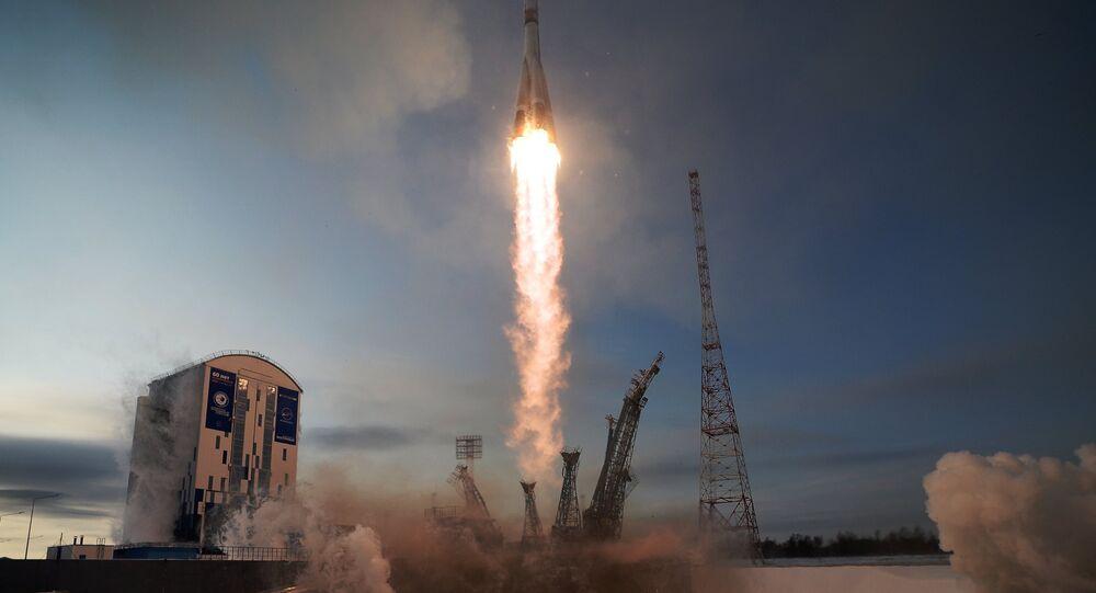 Lanzamiento del cohete Soyuz 2.1b desde el cosmódromo Vostochni el 28 de noviembre de 2017