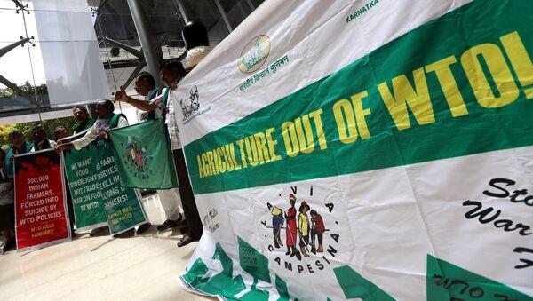 Activistas indios protestando durante la XI Conferencia Ministerial de la OMC en Buenos Aires, Argentina - Sputnik Mundo