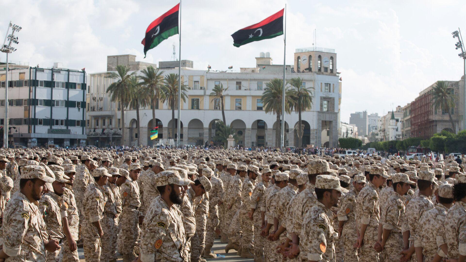 Militares bajo el mando del gobierno en Tripoli celebran el 75º aniversario del Ejército de Libia - Sputnik Mundo, 1920, 29.04.2021