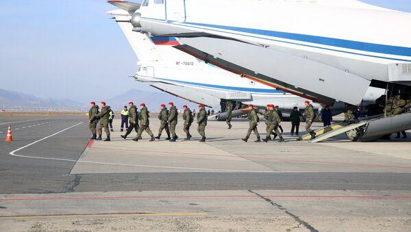 El regreso de militares rusos de Siria a Rusia - Sputnik Mundo