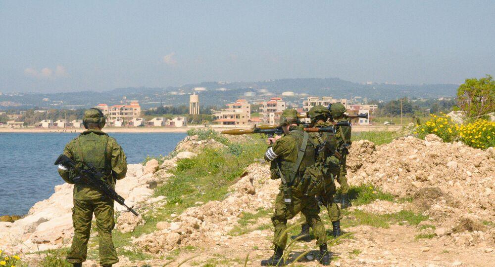 Maniobras de infantes marinos en Tartus